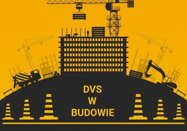 w-trakcie-budowy-projekt-sylwetki-z-budynkiem-i-wyposazeniem-na-tasmie-barierowej-i-stozkach-wzgorzu_1284-33910
